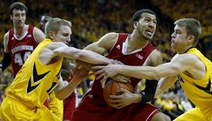 Hawkeyes drop close one at home to streaking Badgers