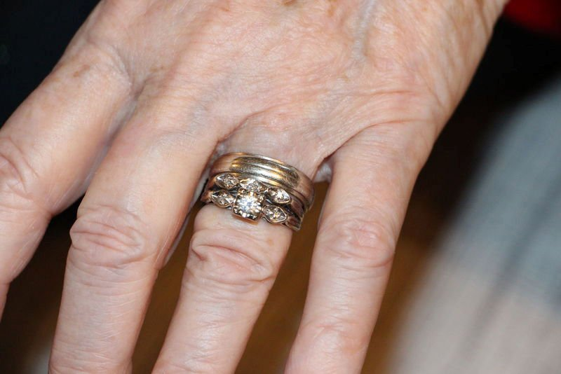 I Cant Explain My Grief In Losing Them Restaurant Worker Finds Widows Lost Wedding Rings In