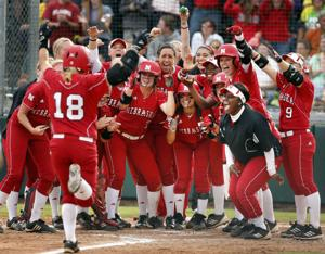 Big inning lifts Huskers over Ducks