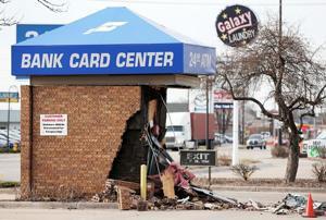 Grand Island ATM thief leaves trail of debris