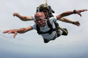 At age 83, Shenandoah man takes first skydive