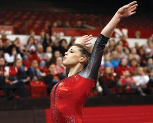 Huskers aim to vault to nationals