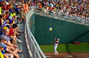 CWS fans: Prepare for 'hot, humid and breezy' championship series