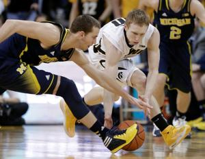 No. 17 Iowa beats No. 10 Michigan 85-67