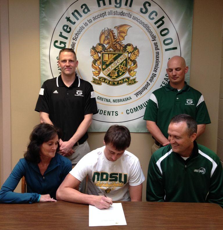 List: Nebraska high school recruits sign with college ...