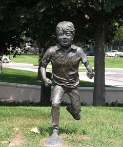 Stolen statue to be replaced at Children's Square U.S.A.