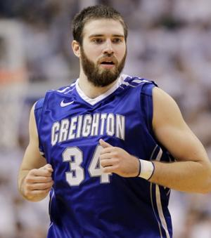 Shatel: Gaining cult status is OK for Creighton's Ethan Wragge