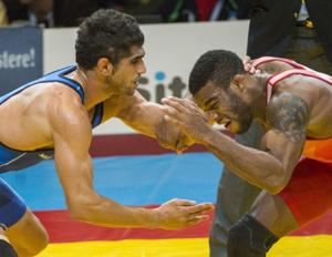 Former Husker Burroughs wins another world title