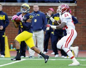 Pint-size Michigan receiver Jeremy Gallon turning in huge plays