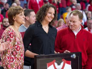 Husker women honor Kelsey Griffin, demolish Michigan