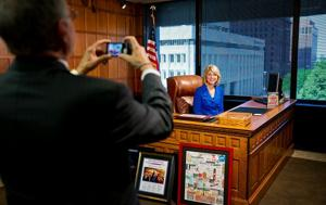 Stothert juggling act takes center ring