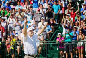 Chatelain: Caddie's investment pays off again for Perry