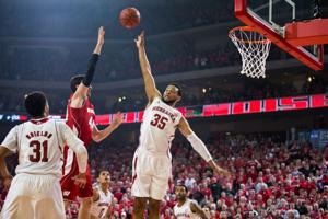 After early woes, Huskers paint different picture