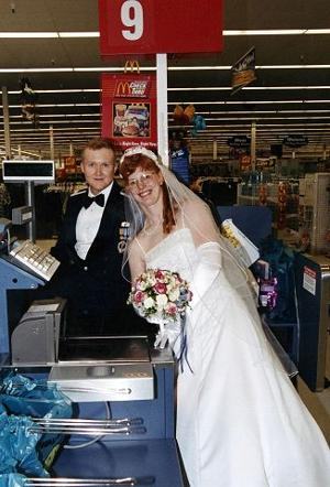 How they met: Wal-Mart customer checked out cashier, saw she's a keeper