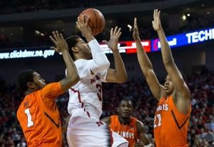 Huskers stop Illini behind Shavon Shields' 33 points