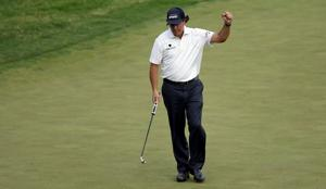 Mickelson in position to end his U.S. Open misery