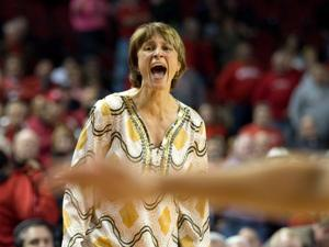 Huskers must deal with Gophers' post presence