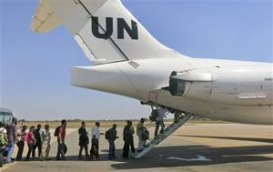 Canadians, Brits still in SSudan city US evacuated