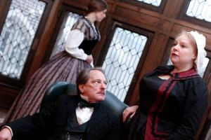 Actor makes triumphant return to stage in 'Heiress'