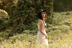 For Maria Taylor, a fine line between happy and cheesy