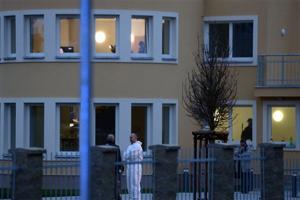 Diplomat's daughter says Prague death suspicious