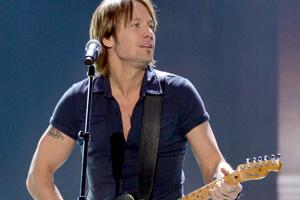 Keith Urban coming to Omaha