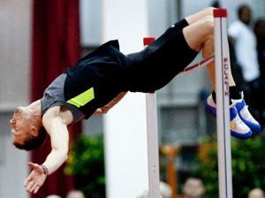 Sanderfer, Husker relay team shine