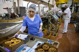 Forget macaroni: Skinner pushes profile as Omaha baker