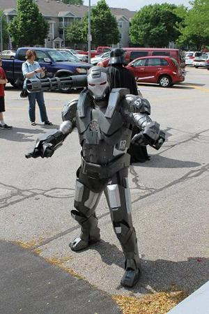 Omaha 'iron men' build their own armor suits