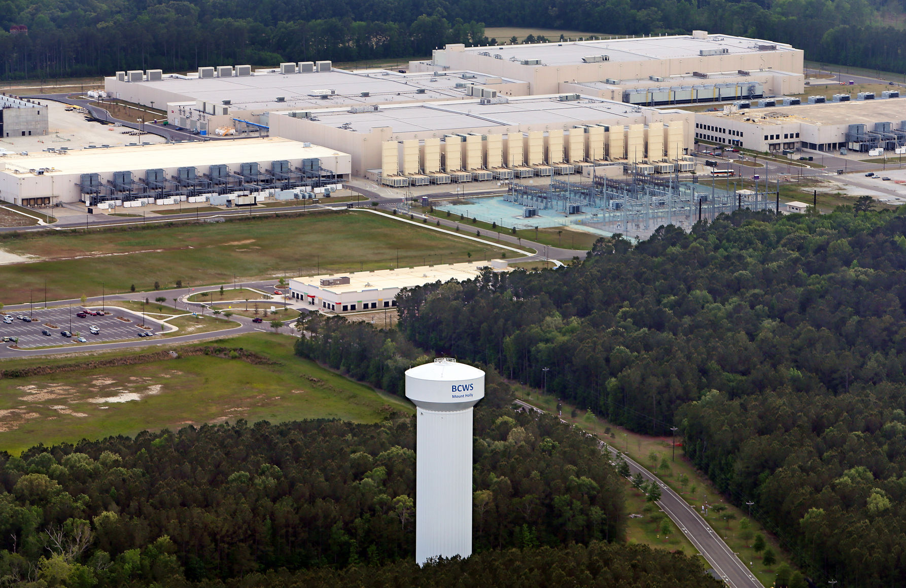 postandcourier.com - Bo Petersen bopete@postandcourier.com - Google's controversial groundwater withdrawal sparks question of who owns South Carolina water