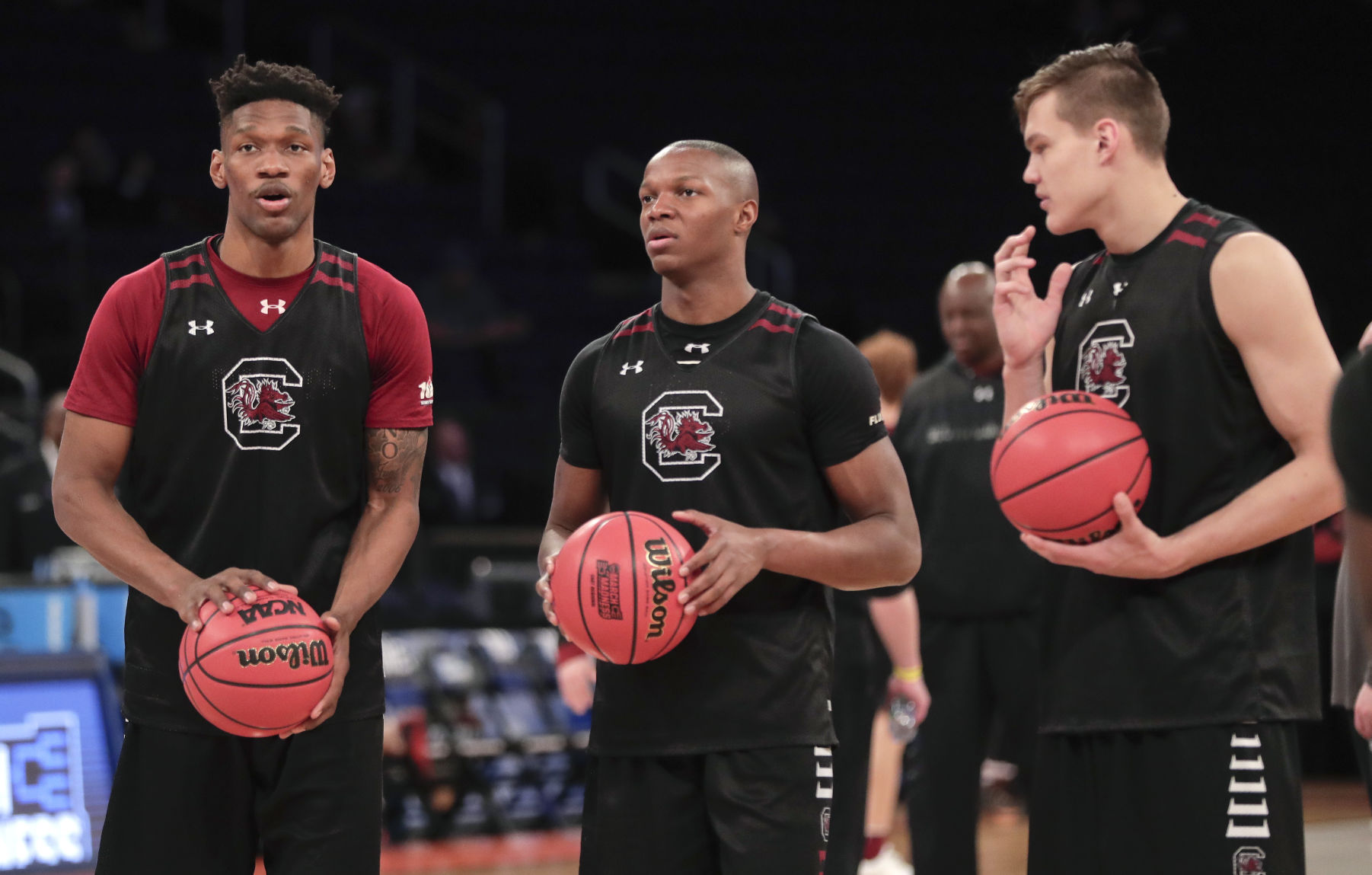 Dominant Defense Carries (7) South Carolina To 70-50 Win (3) Baylor