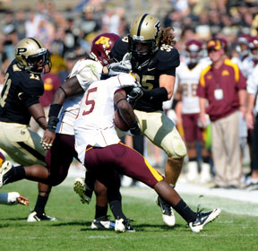 Link tackles Minnesota's Jones