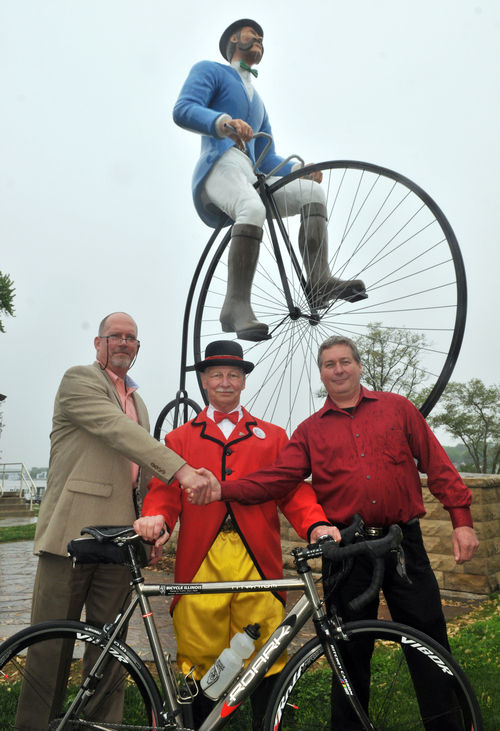 Bicycle statues link Port Byron, Wisconsin for fall ride ...