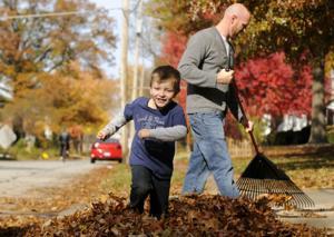 Moline leaf work starts Oct. 15