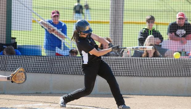 Lady Panthers end regular season with sweep at Ottawa