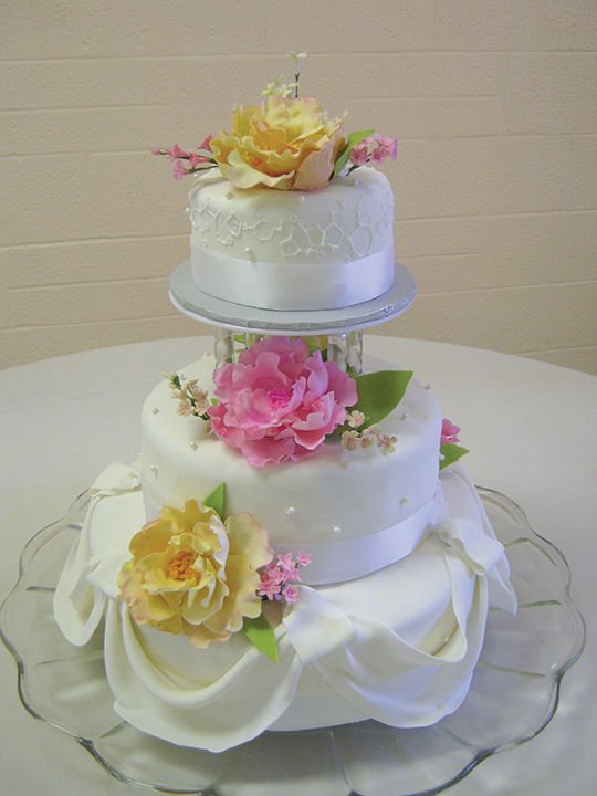 Cake Decorating Classes Mansfield : The Edible Arts: It s about having your cake and eating it ...