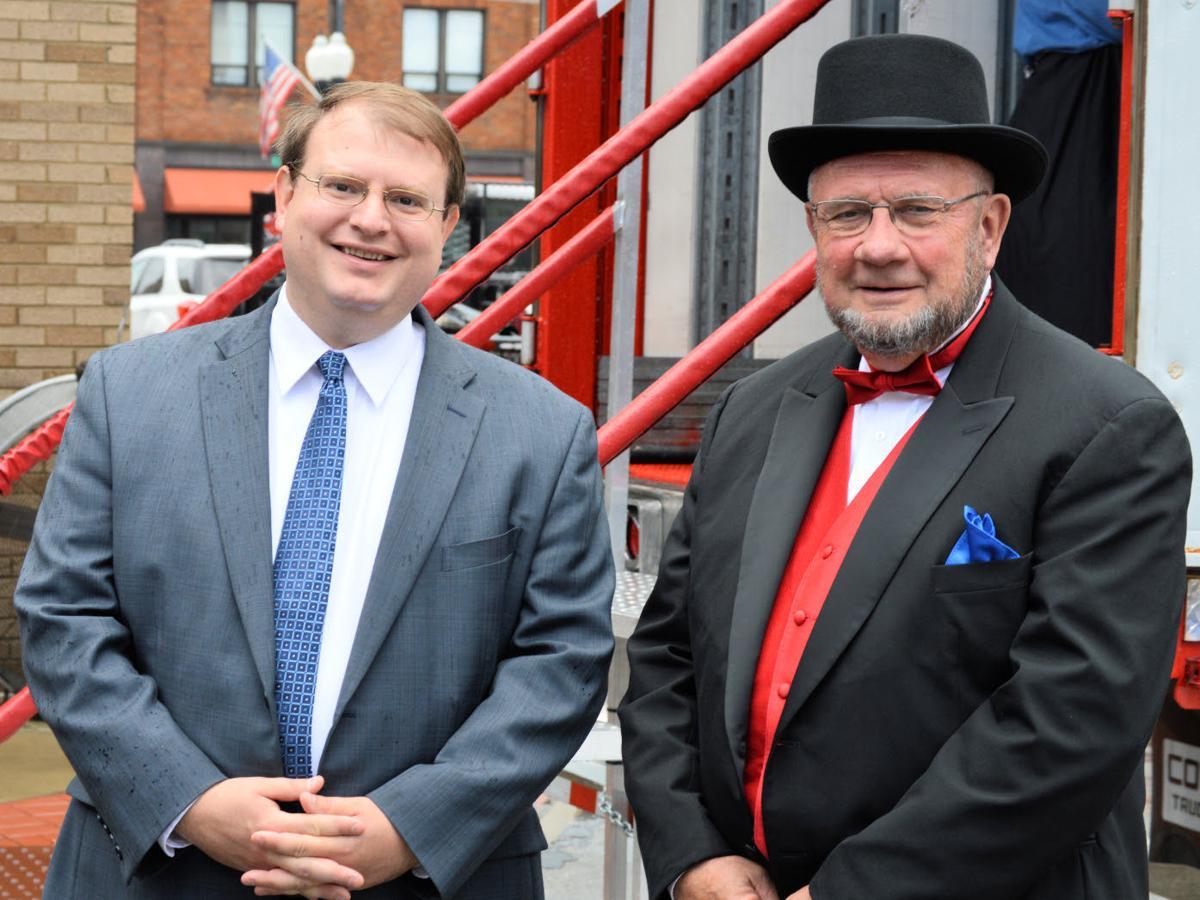 Obhof honors City of Ashland at bicentennial celebration