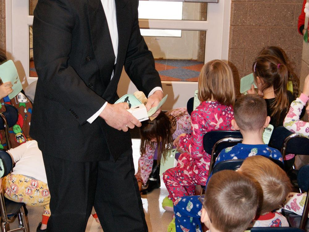 Galion kindergarten students get to experience the Polar Express