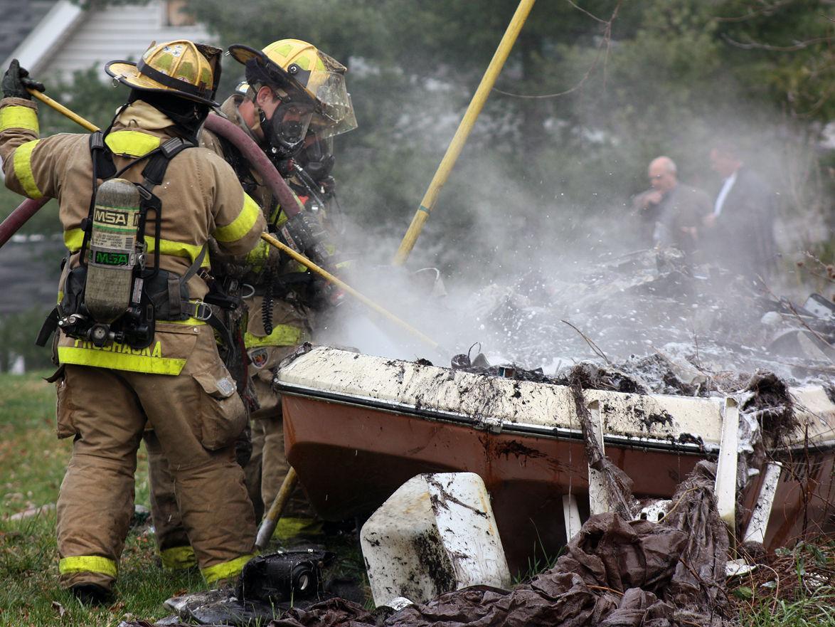 """Boat fire in Mansfield """"suspicious"""""""