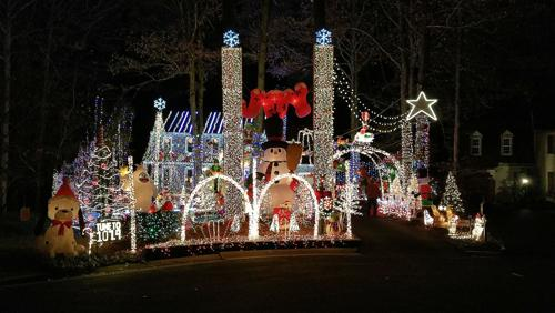 "Brandermill house is up for ""Best Holiday Lights"" in USA Today"