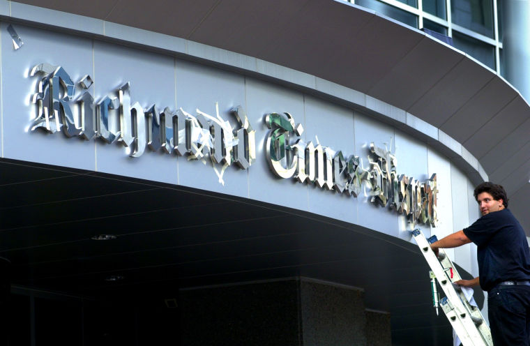 Richmond Times-Dispatch sign reveal, 2000