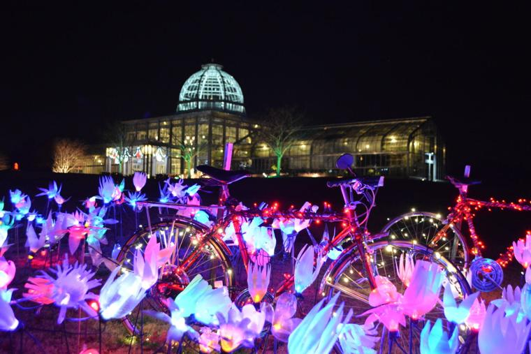 Gardenfest of lights at lewis ginter arts entertainment for Lewis ginter botanical gardens christmas