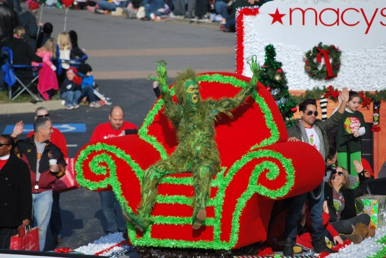 photos  2012 dominion christmas parade