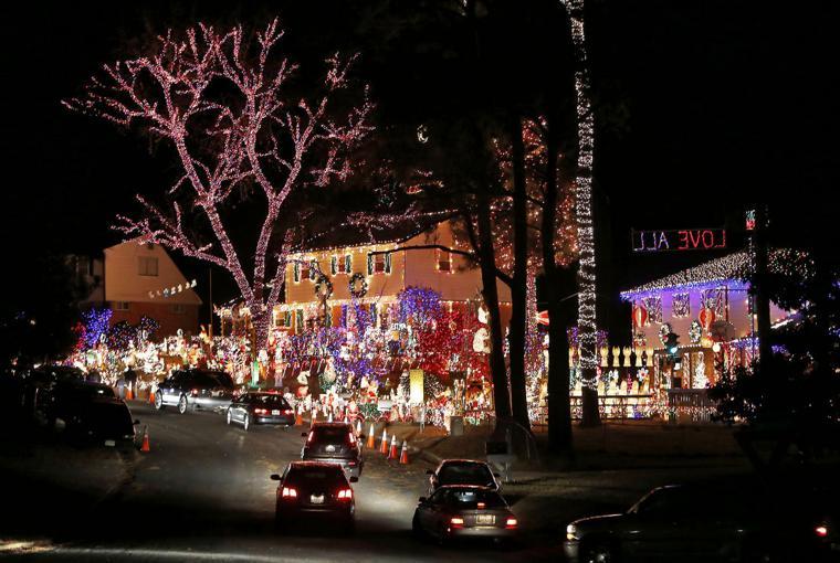 Tacky Lights Tour Richmond Va
