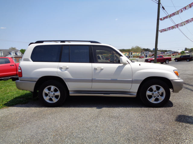 2003 toyota land cruiser roanoke times suv. Black Bedroom Furniture Sets. Home Design Ideas