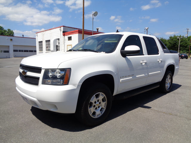 2007 chevrolet avalanche roanoke times truck. Black Bedroom Furniture Sets. Home Design Ideas