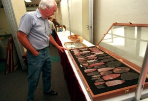 Man digs for Fenn's treasure under descanso on state land