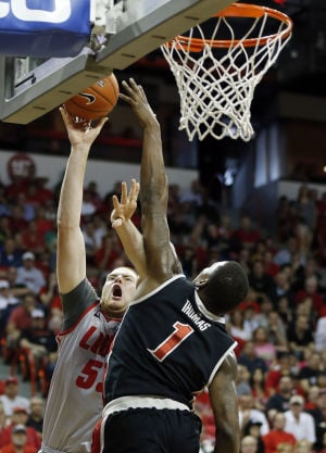 'Dangerous' UNLV faces Lobos in crucial game