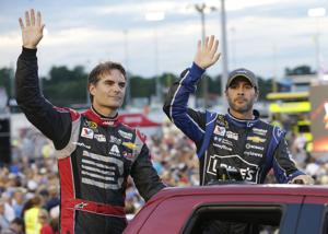 Commentary: Hendrick, Penske and Harvick gearing up for Chase