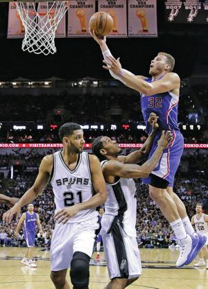 Paul, Clippers even series with 114-105 win over Spurs